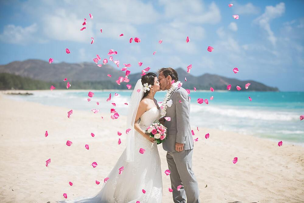 A Monarch Elite package wedding ceremony on Oahu, Hawaii