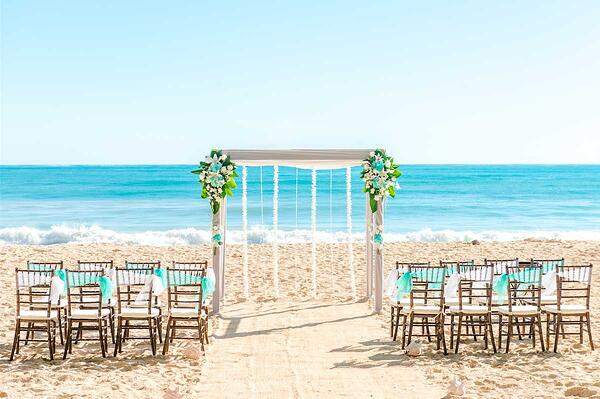 Hawaii beach wedding at Sherwood Beach, Oahu