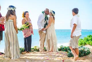 Flower-Circle-at-Wailae-Wedding-Hawaii-01