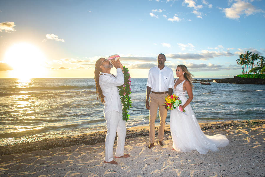 Hawaii Wedding on The Big Island at Kukio Beach