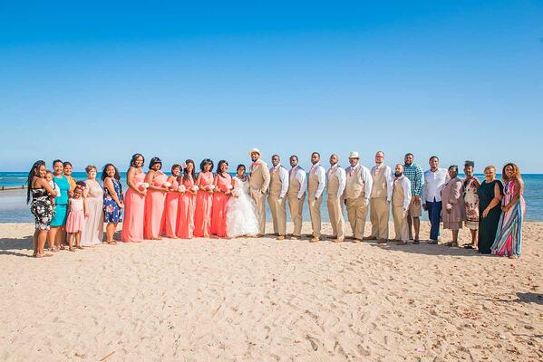 Hawaii wedding group on the beach.
