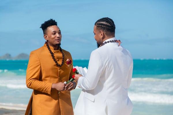 Hawaii-Same-sex-Wedding-at-Sherwood-Beach