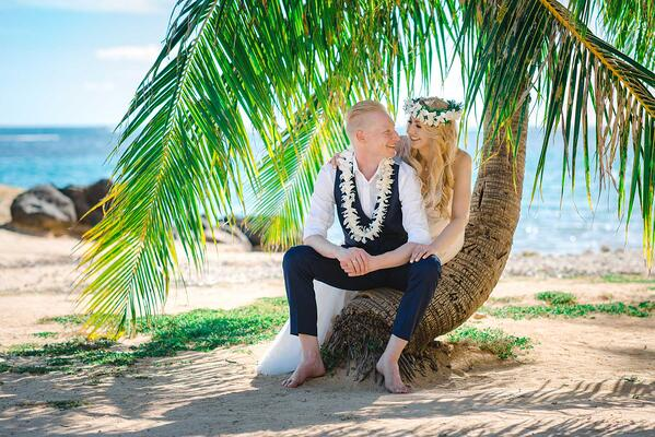 Hawaii-Wedding-Photography-at-Waialae-Beach