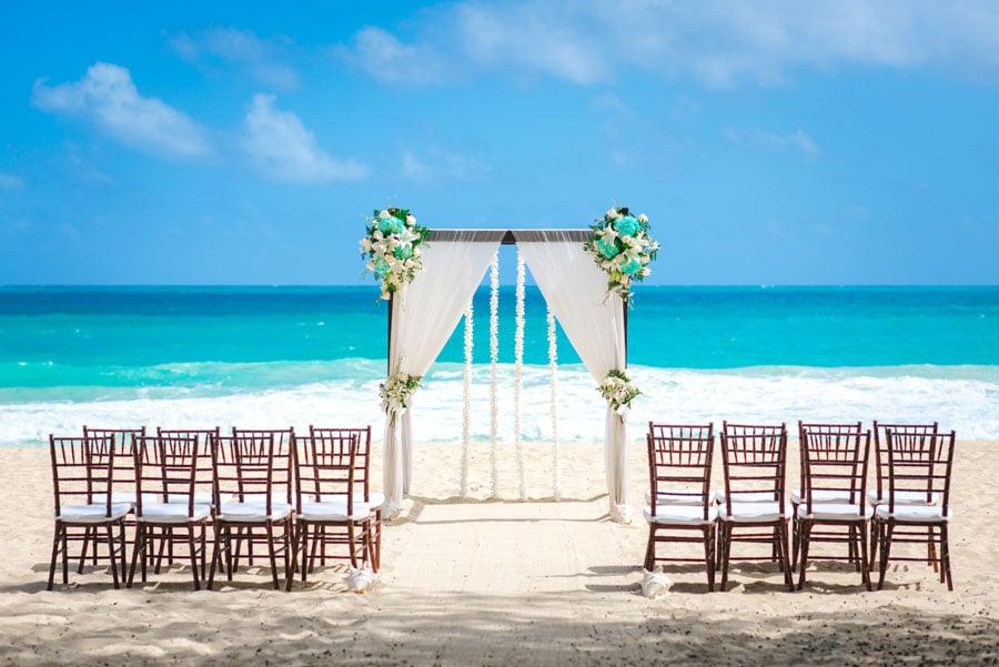 Hawaii-Wedding-Setup-Classic-Island-Arbor-2