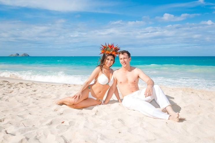 Hawaii-wedding-beach-attire.jpg