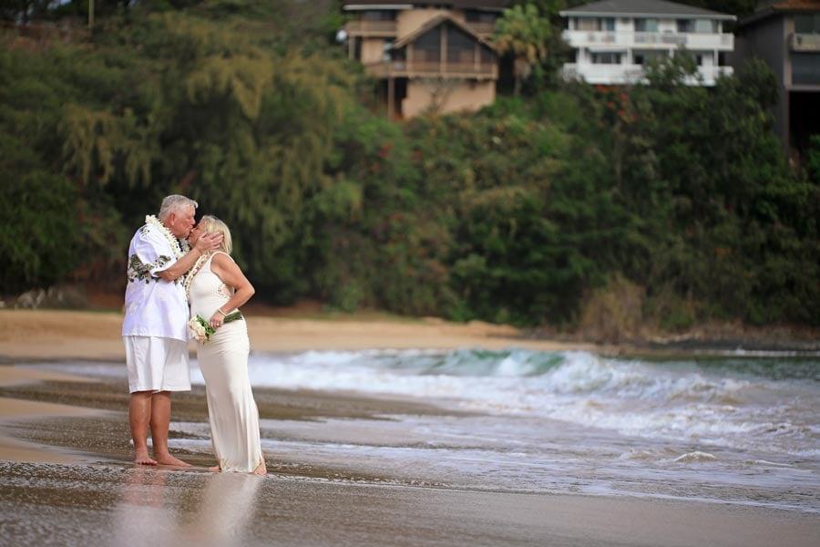 Kauai-Wedding-at-Kalapaki-Beach-4