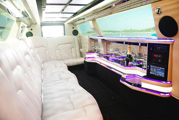 Limo-for-Hawaii-Wedding-Interior