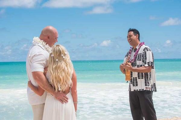 Live-Hawaiian-Wedding-Singer-0885
