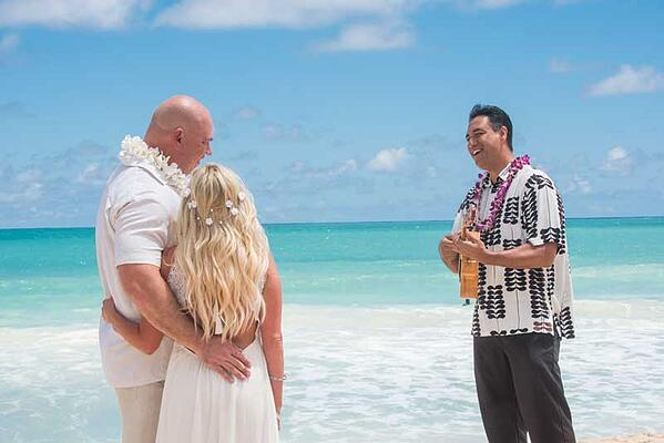 Live-Hawaiian-Wedding-Singer-0885