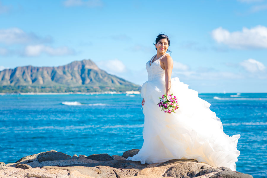 Wedding In Hawaii.Magic Island Is Our Top Waikiki Wedding Location
