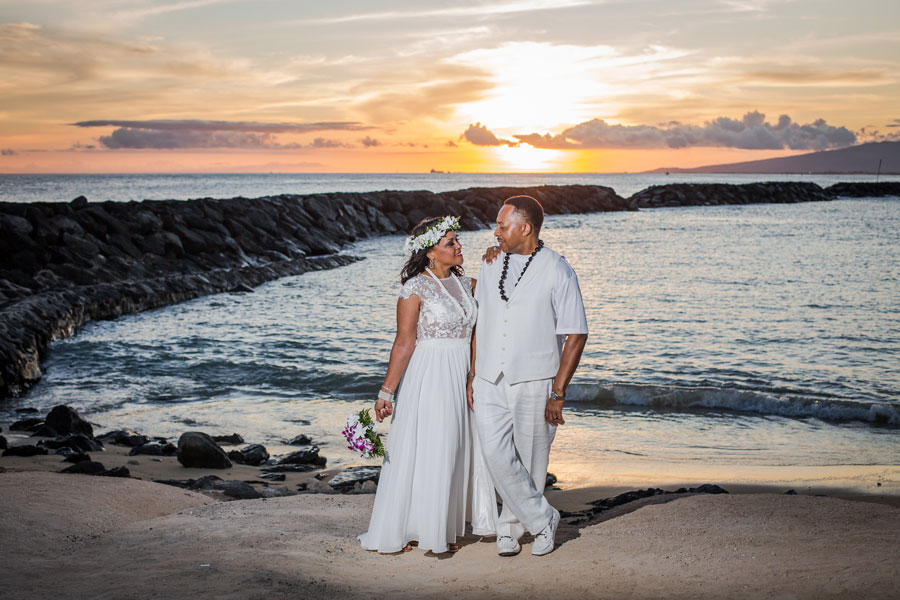 Magic-Island-Hawaii-Wedding-at-Sunset