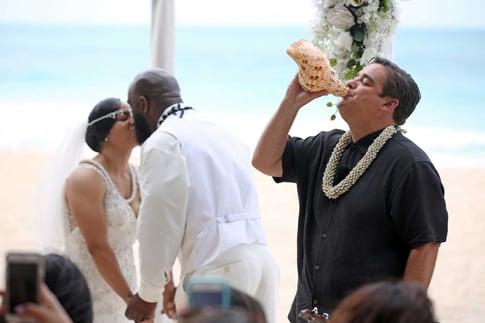 Hawaiian wedding on a beach on Oahu