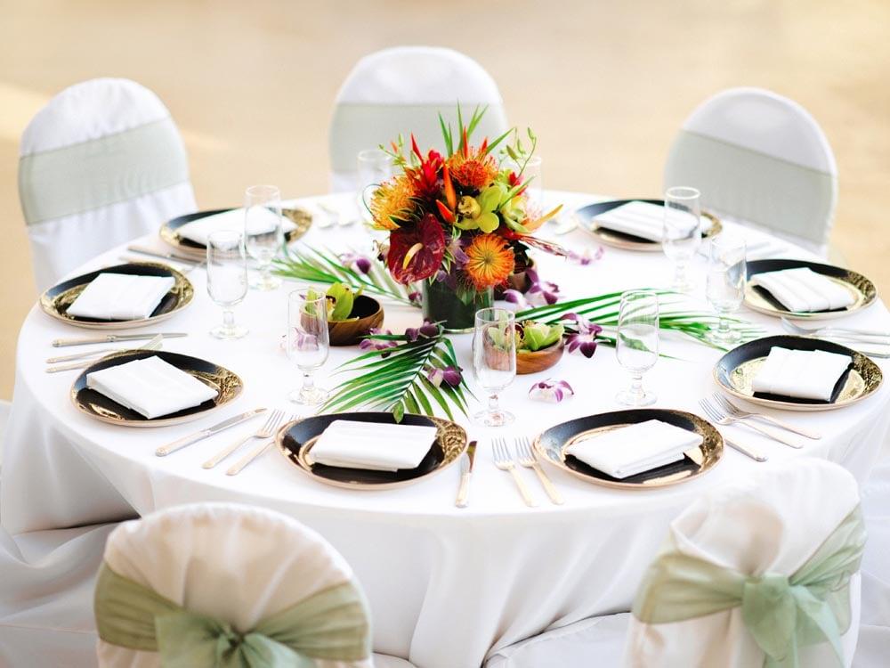 Modern Tropical Hawaiian Wedding Reception Setup