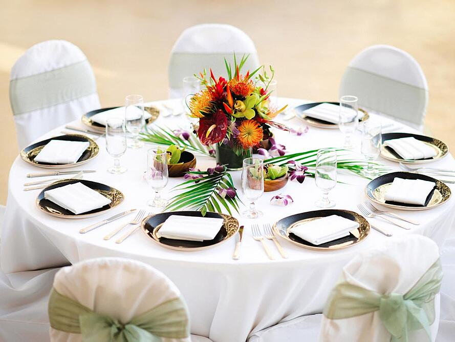 Modern Tropical Hawaiian Wedding Reception Setup