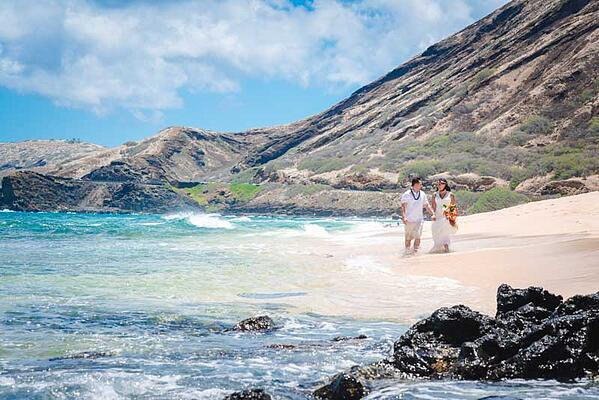 Sandy-Beach-Wedding-Hawaii-14
