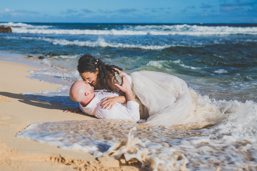 Sandy-Beach-Hawaii-Wedding-Couple-271