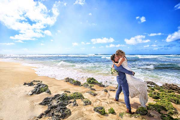 Sandy-Beach-Wedding-in-Hawaii-627