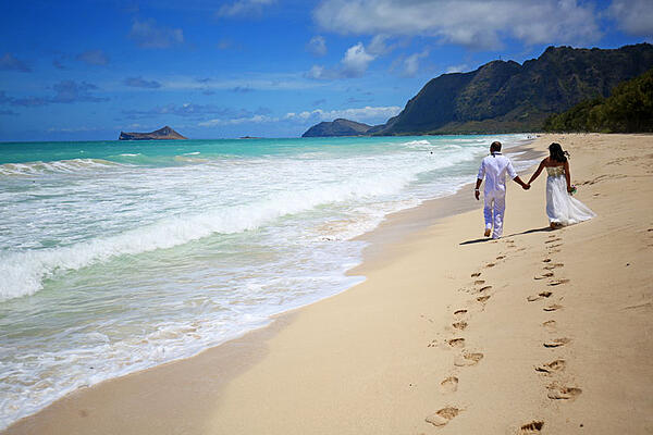 Sherwood-Beach-wedding-Hawaii