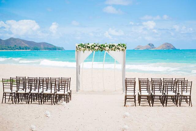 A Hawaii wedding setup on an Oahu beach