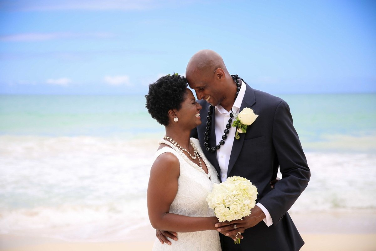 Hawaii vow renewal ceremony on the beach