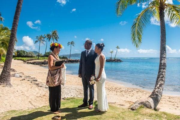 Waialae-Beach-Hawaii-Wedding-Location-(2)
