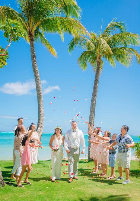 Waialae-Beach-Wedding-Ceremony-in-Hawaii-0032.jpg