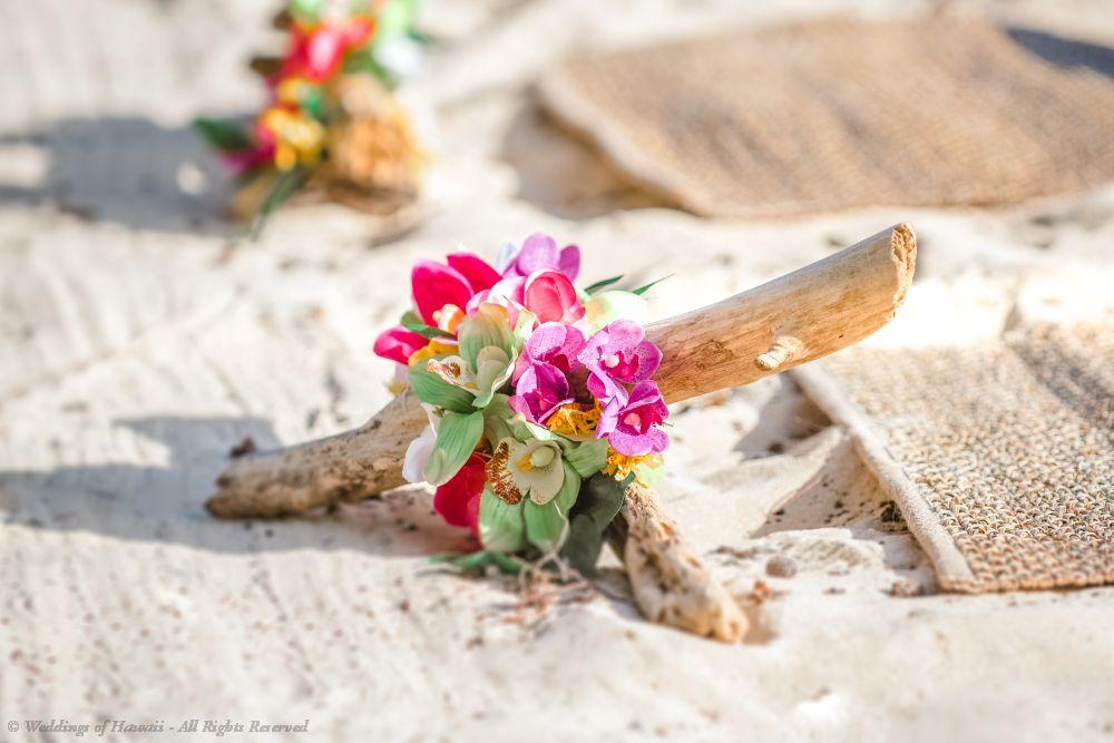 Hawaii wedding decorations on the sand