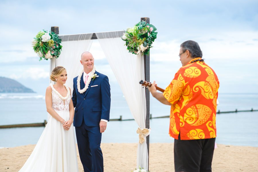Hawaii-Wedding-Attire-Formal-Suit-and-Tie-1