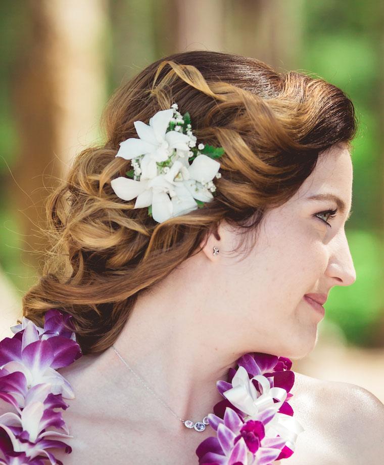 White orchid hawaiian hair clip for beach wedding in Hawaii