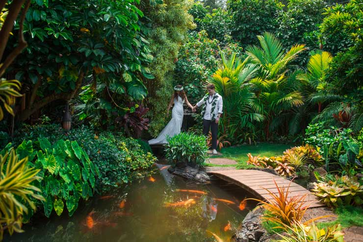 From Beaches To Waterfalls Our Best Hawaii Wedding