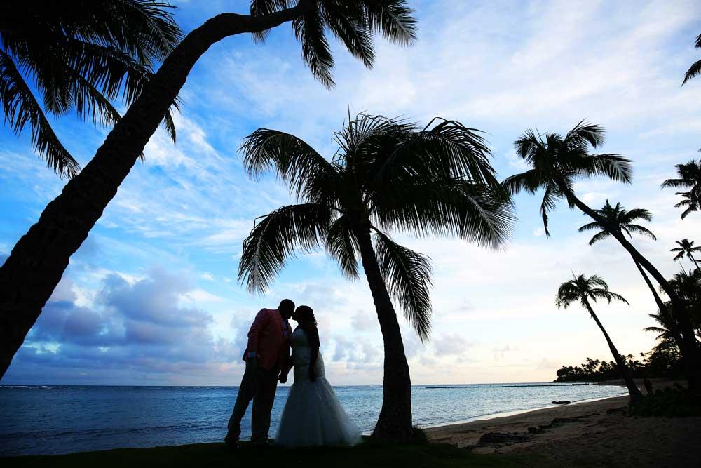 Sunset-Wedding-Location-in-Hawaii-044
