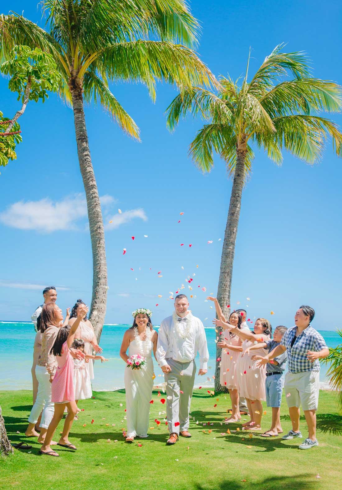 Hawaii Wedding Location: Waialae Beach